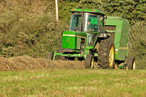 tractor_640x428